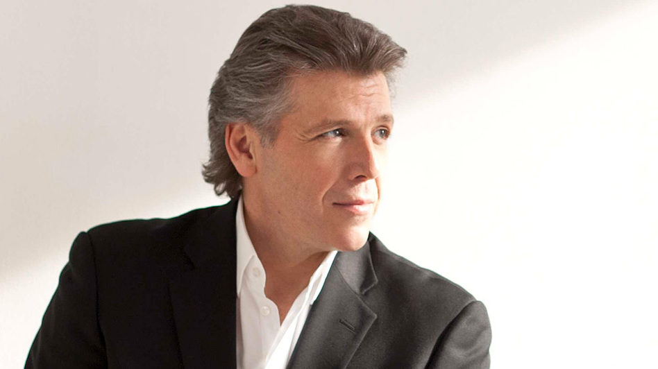 Baritone Thomas Hampson takes his punches for opera on a BBC talk show. (Dario Acosta)