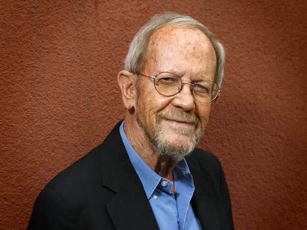 Author Elmore Leonard poses during a portrait session on May 24, 2007 at Book Soup in Los Angeles, California.