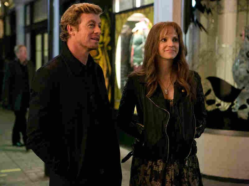 In addition to their own doubts and dubiosity, Josh and Nat's marriage faces an external challenge or two in the persons of Nat's smooth-talking repeat flirtation (Simon Baker) and Josh's agreeably sensible ex (Anna Farris).