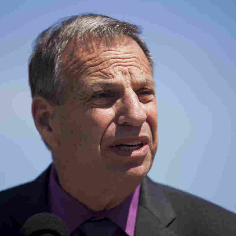 San Diego Mayor Bob Filner entered a two-week behavioral therapy program on Monday.