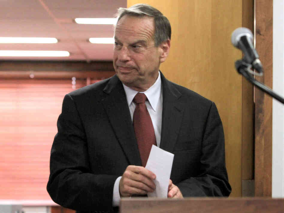 San Diego Mayor Bob Filner arrives at a news conference on July 26 to announce his intention to seek professional help for sexual harassment issues.