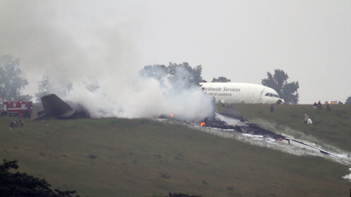 2 Killed When UPS Cargo Plane Crashes In Alabama : The Two ...