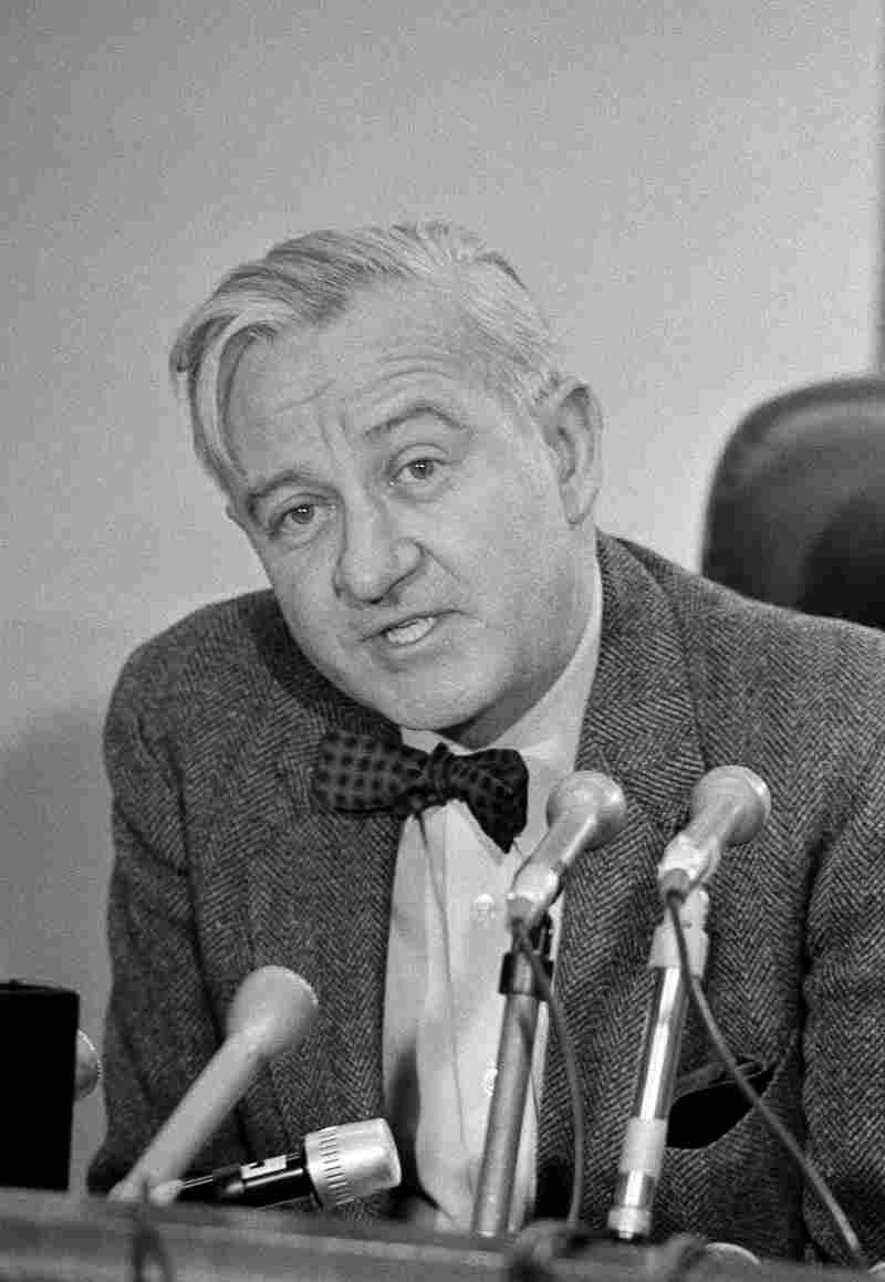 Westlake Legal Group ap751128176_custom-62b136e0e6fa1be8ff9015bb74440b17a3b75817-s800-c15 Retired Justice John Paul Stevens, A Maverick On The Bench, Dies At 99