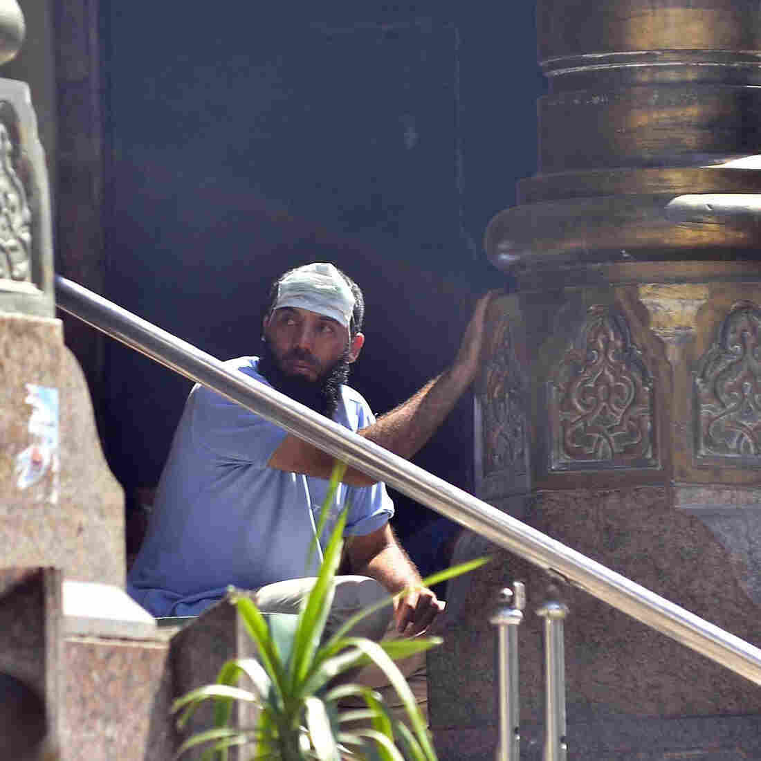 Egyptian Forces Reportedly Clear Mosque Of Morsi Backers