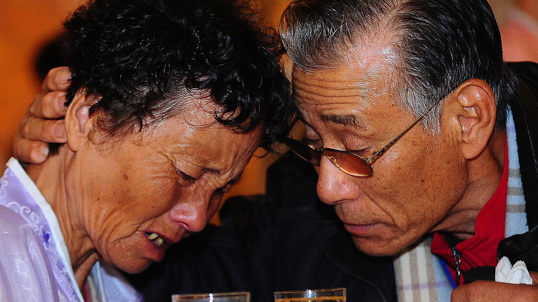 Koreas Set Talks To Resume Cross-Border Family Reunions
