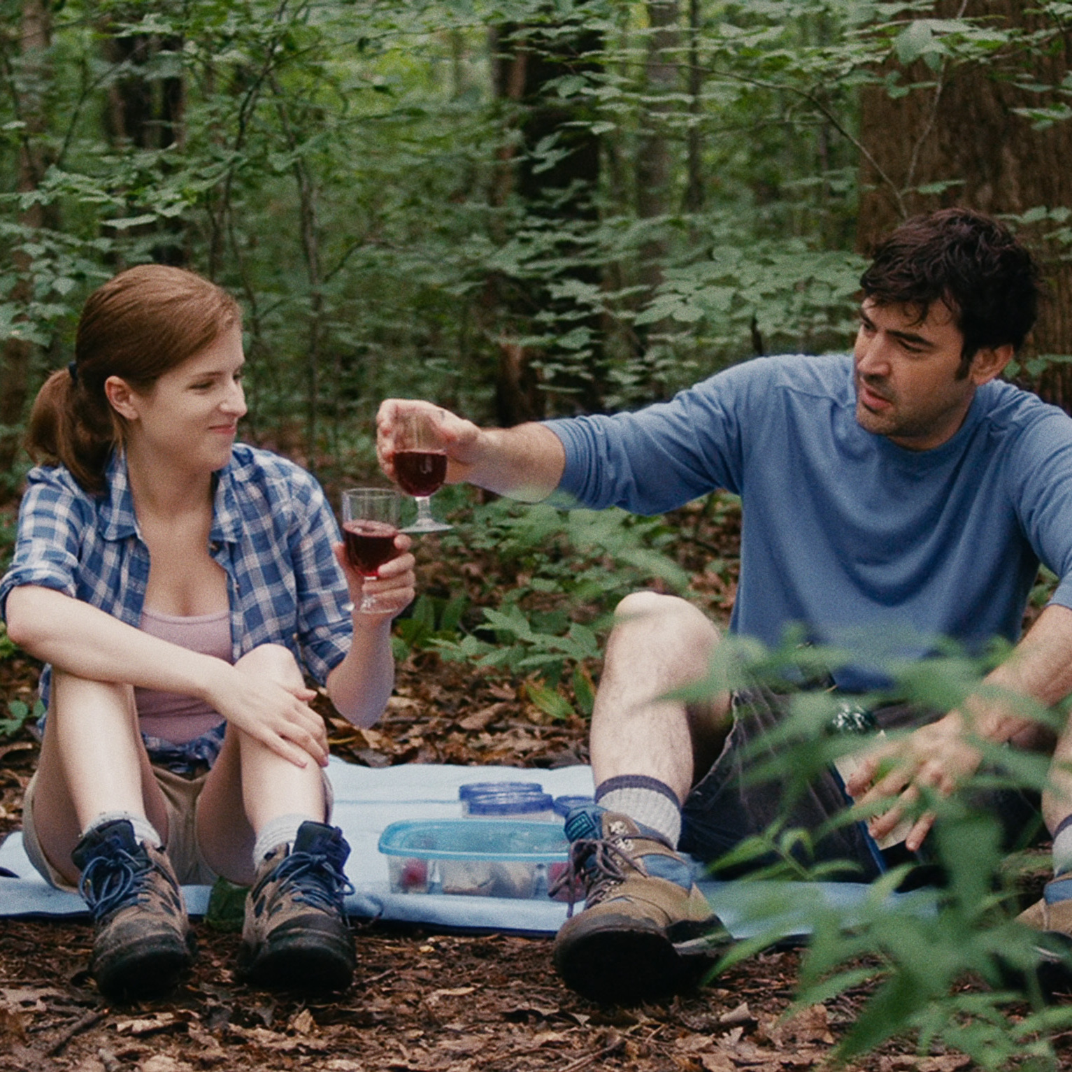 Luke and Kate's significant others -- Jill (Anna Kendrick) and Chris (Ron Livingston), respectively -- have a flirtation of their own.