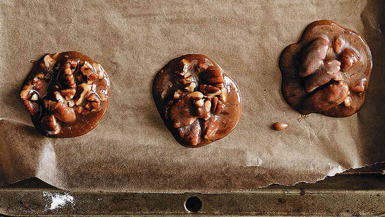 Microwave pralines are easier to make than stovetop pralines, and just as tasty.