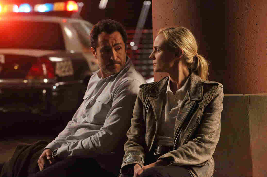 Mexican detective Marco Ruiz (Demian Bichir) teams up with his American counterpart, Sonya Cross (Diane Kruger), to solve a murder in FX's The Bridge.