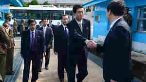 Koreas Reportedly Agree To Resume Family Reunions
