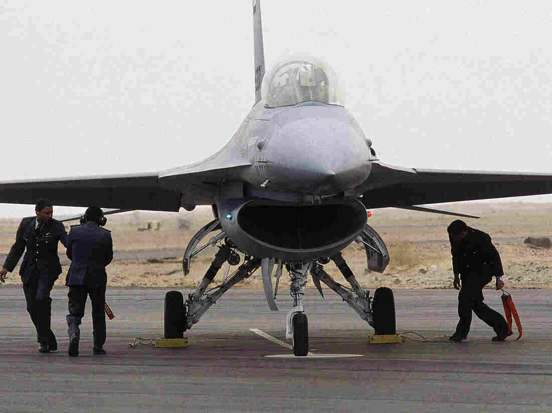 An American F-16 fighter plane arrives at an airbase in Egypt on March 27, 1982.