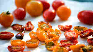 Roasted Tomatoes, The Perfect Accessory For Summer Dishes