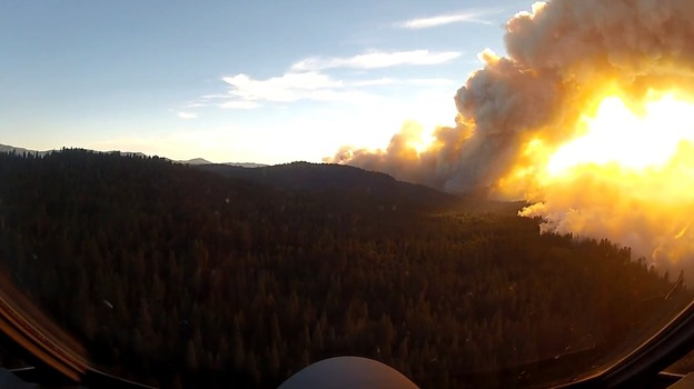 A view of California's Rim Fire from the cockpit of a California Air National Guard tanker plane. (YouTube.com)
