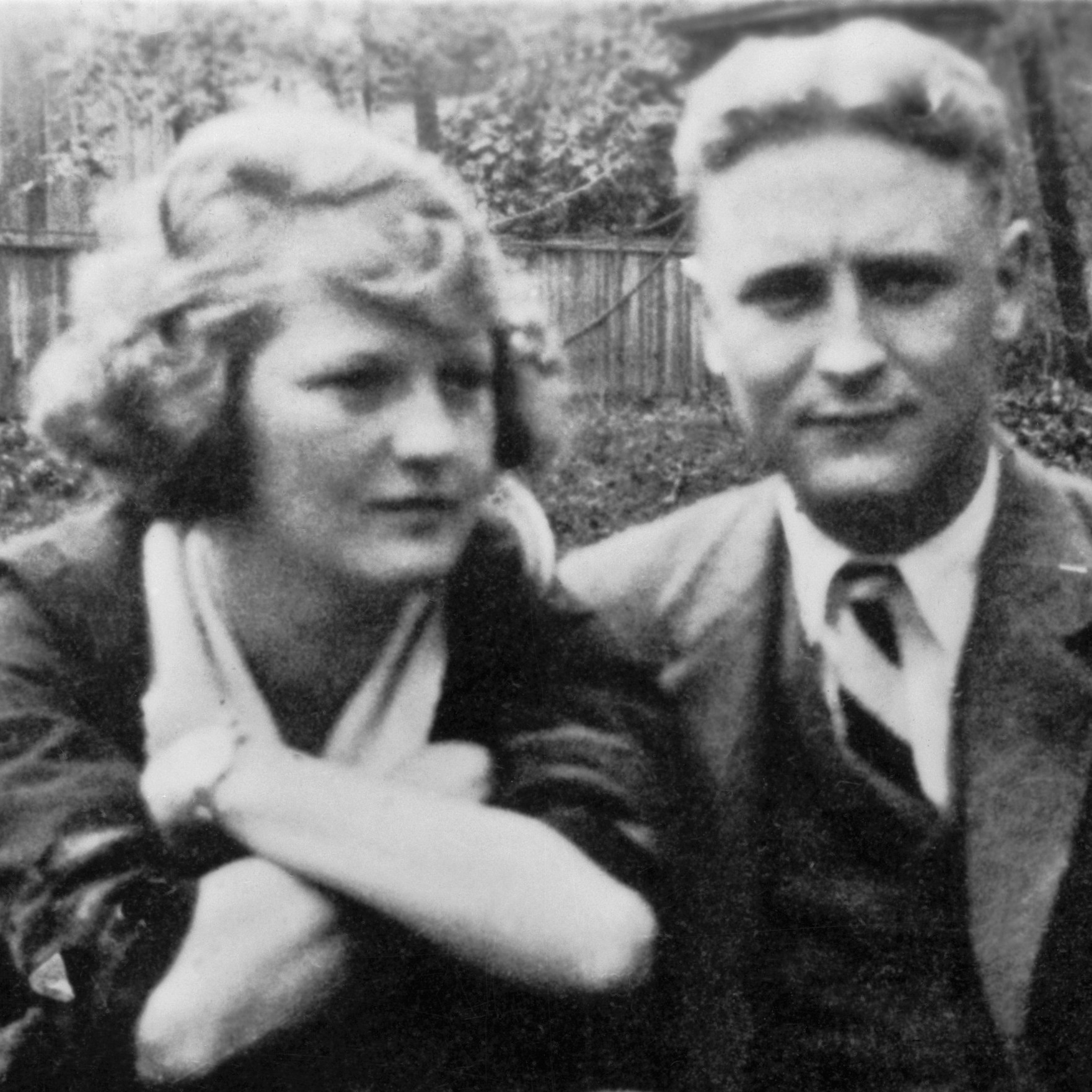f scott fitzgerald chronicling the F scott fitzgerald's this side of paradise describes life at princeton among the glittering, bored, and disillusioned the post world war i lost generation.