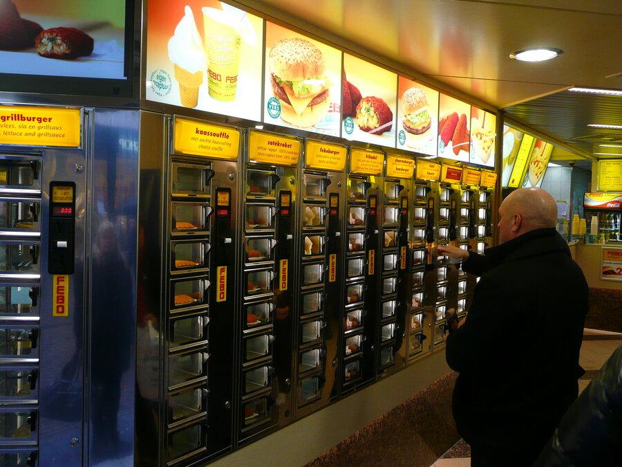 pracownicy w fast foodach