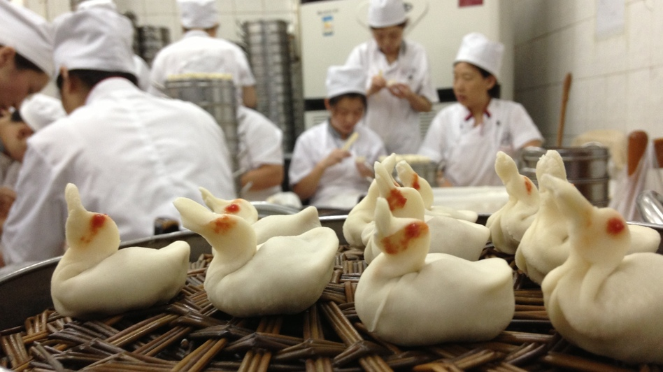 <strong>A Flock of Dumpling Ducklings</strong>: What's inside? Roasted Beijing duck, of course.