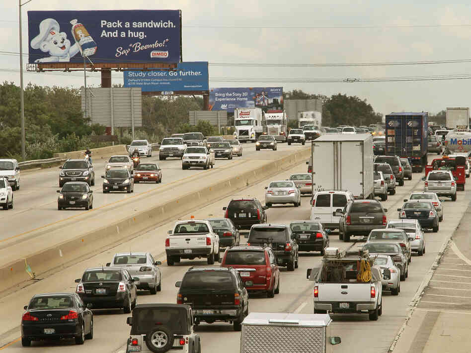Labor Day weekend travel may rise by 4.2 percent to the highest level since before the recession, according to AAA Travel.