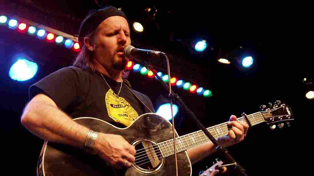 Jimmy LaFave performs on Mountain Stage in 2001.