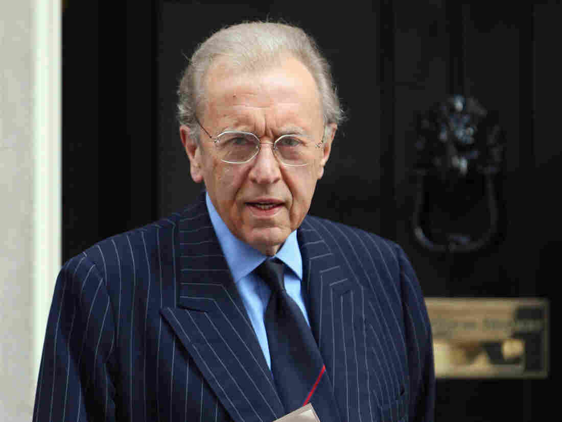 Sir David Frost arrives at London's Downing Street in April 2009.