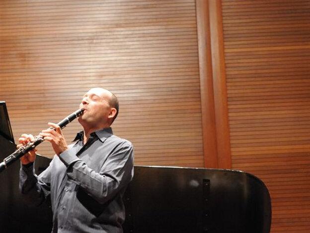 Composer and clarinetist Derek Bermel.