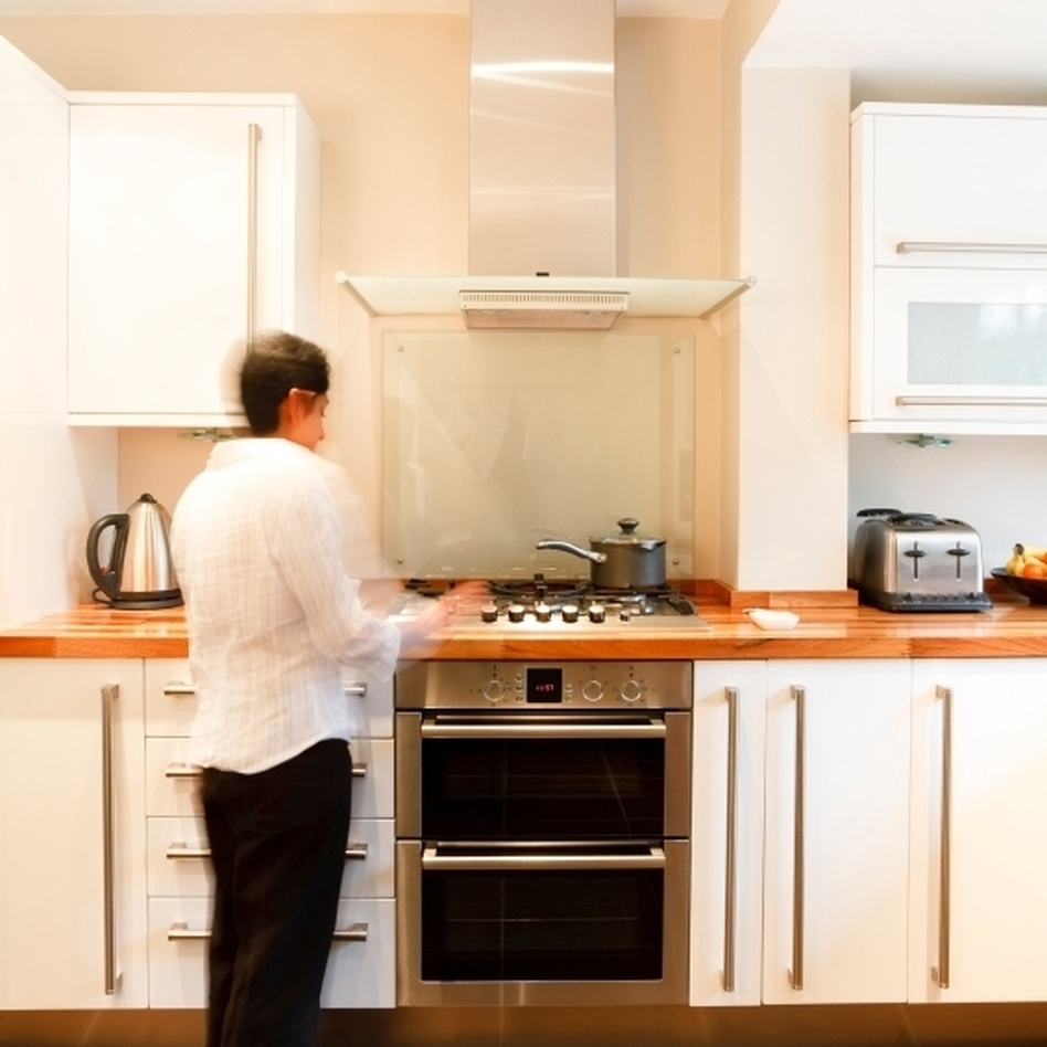 Cooking on gas and electric stoves can create indoor air pollution. The best way to avoid it is to buy a good range hood that vents outside, experts say. (iStockphoto.com)