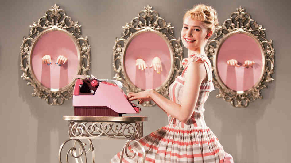 Ses Doigts, Sont Adroits: Deborah Francois proves adept with the titular typewriter in Populaire.