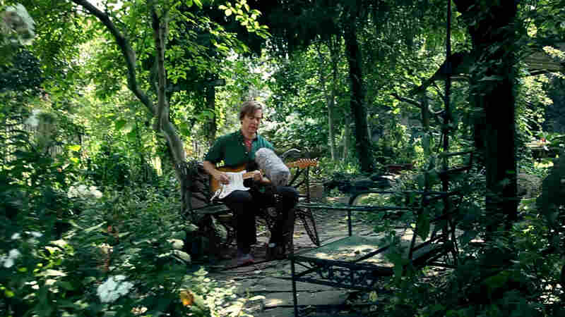Bill Callahan Sings 'Small Plane' In A Serene City