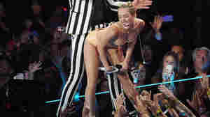 Miley Cyrus twerking