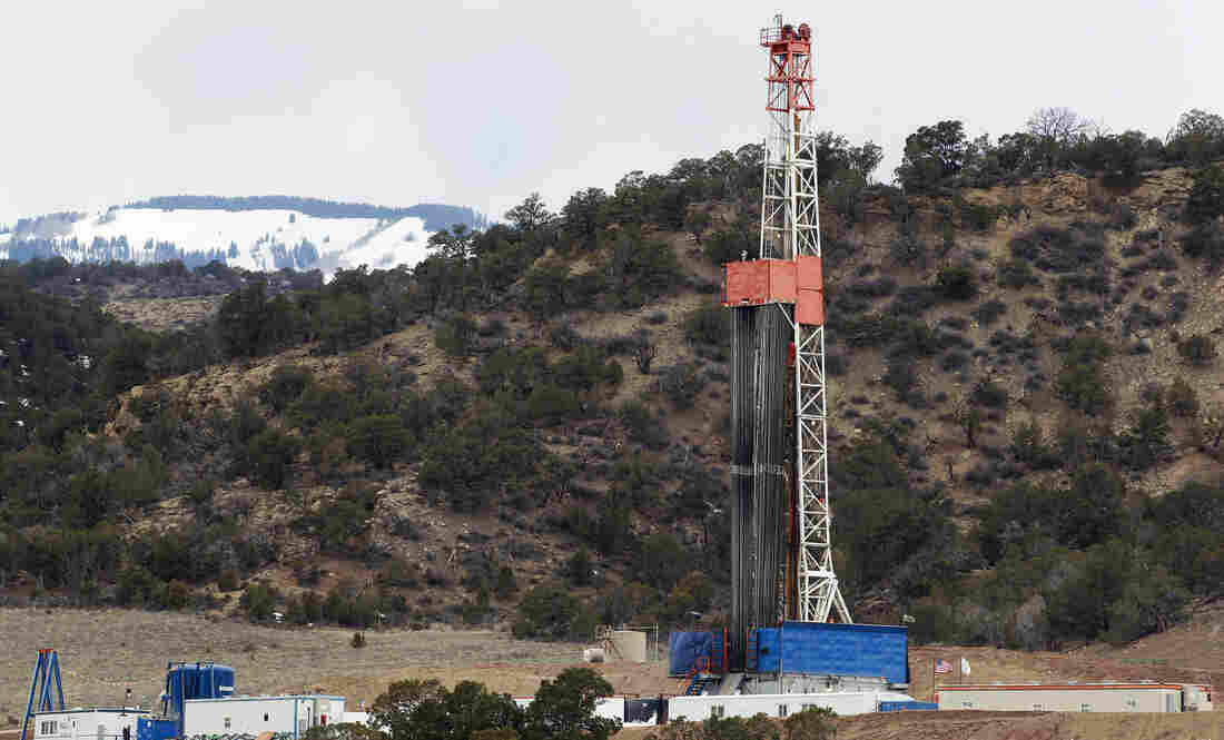 A rig drills a hydraulic fracturing well for natural gas outside Rifle, Colo., in March.