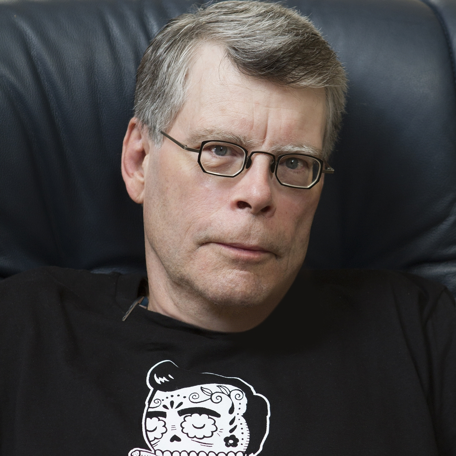 Stephen King is the best-selling author of The Shining, Carrie, and The Dark Tower series.