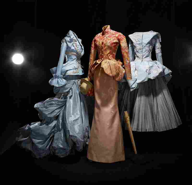 Amber Valletta Inspired by Renoir, Anna Mikhaylik Inspired by Seurat, and Viviane Orth Inspired by Manet. Autumn-Winter 2007. Haute Couture collection. Christian Dior by John Galliano.