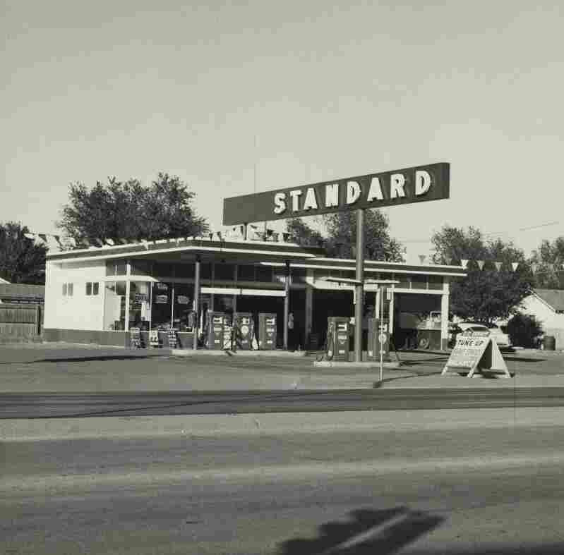 Ed Ruscha'€™s first artist book Twentysix Gasoline Stations featured simple black-and-white snapshots of gas stations that he photographed along Route 66 on his road trips from Los Angeles to Oklahoma City. The book would go on to influence a generation of artists with its industrial style and casual look.