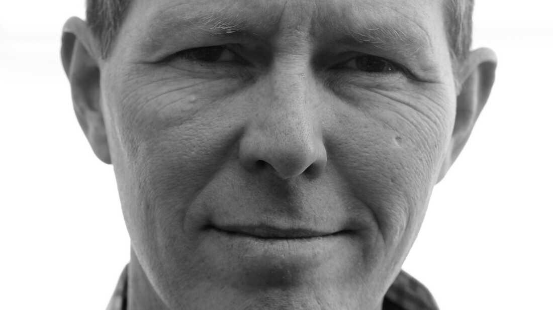Robbie Fulks: Exhilarating And Bitter On 'Gone Away Backward'