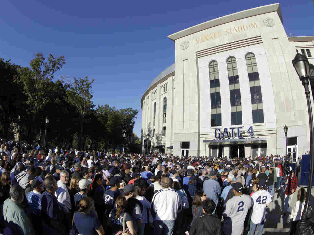 Fans lined up early Tuesday outside Yankee Stadium because it was Mariano Rivera Bobblehead Night. But the dolls didn't arrive on time and things got chaotic later when they finally got to the stadium.