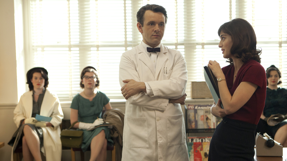 Michael Sheen and Lizzy Caplan portray pioneering sex researchers William Masters and Virginia Johnson in a new Showtime series. (Showtime)