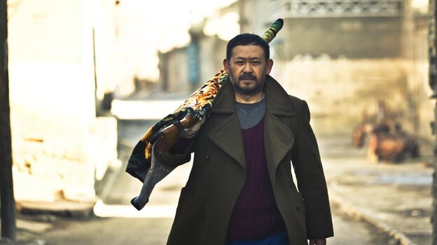 Dahai (Jiang Wu), the protagonist of the first of four vignettes in A Touch of Sin, brings a shotgun when he returns to his hometown to seek revenge against corrupt businessmen.