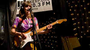 Eleanor Friedberger performs live on KEXP.
