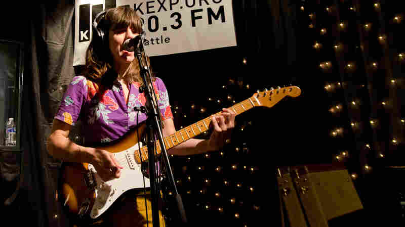 Eleanor Friedberger, 'Stare At The Sun' (Live)