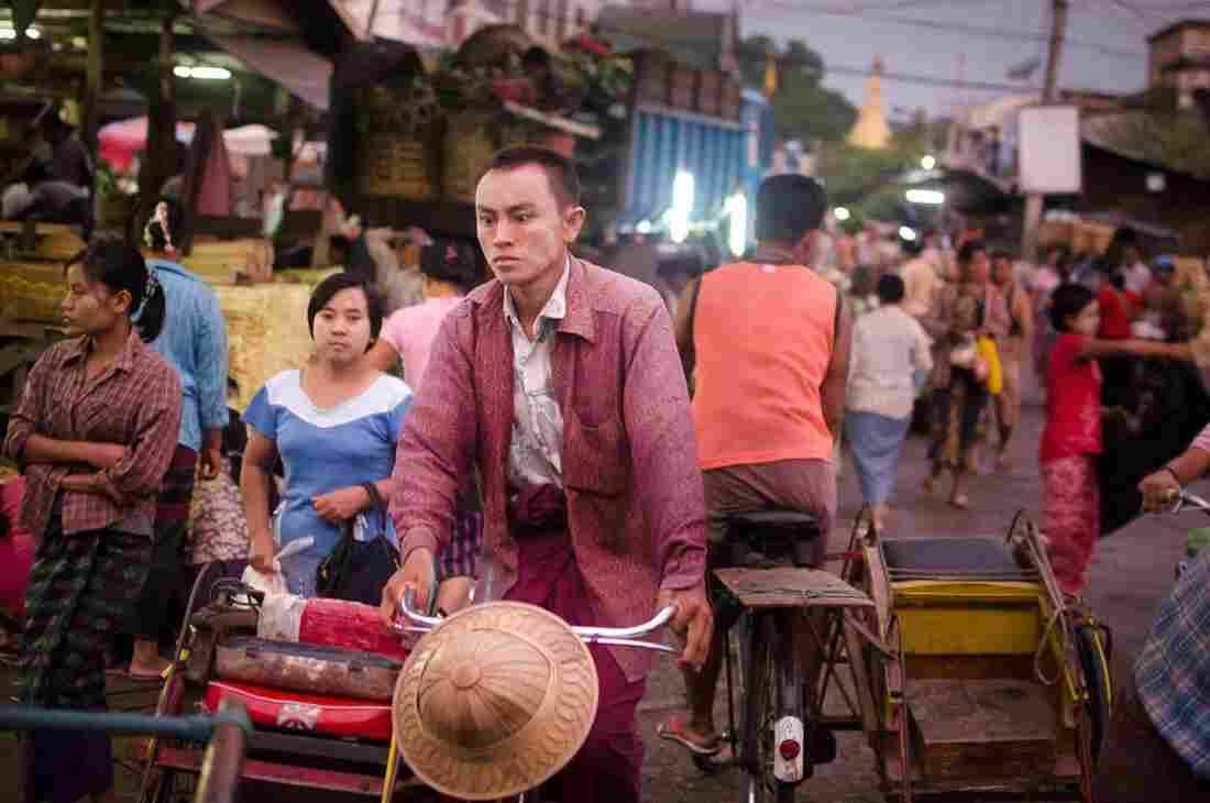 Mandalay, 2011