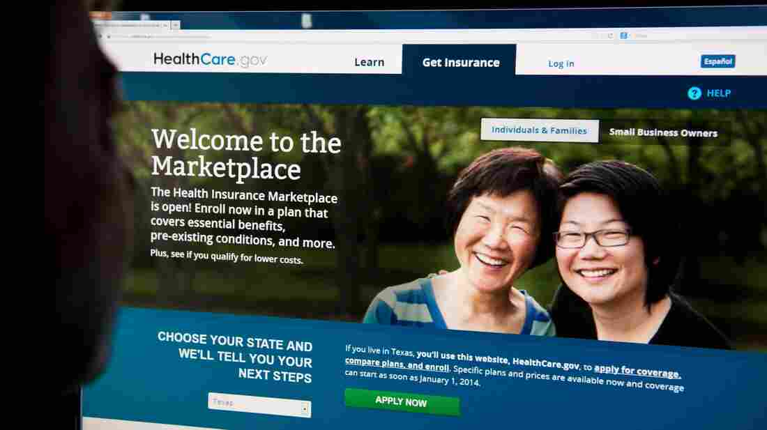 Heavy Internet traffic and system problems plagued the launch of the new health insurance exchanges on Tuesday.