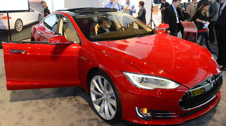A Tesla Model S at the 2013 No
