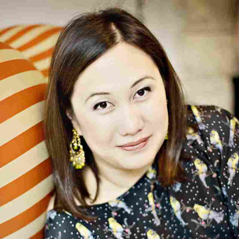 """Melissa de la Cruz grew up in Manila and now lives in California. She is the author of numerous young adult novels, including the books in the """"Blue Bloods"""" series."""