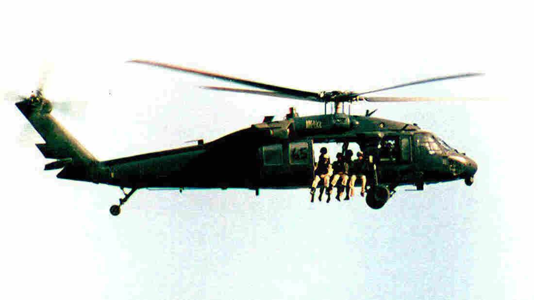 A U.S. UH-60 Black Hawk