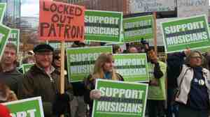 In Minneapolis, demonstrations in support of musicians have drawn regular support during the yearlong Minnesota Orchestra labor dispute.