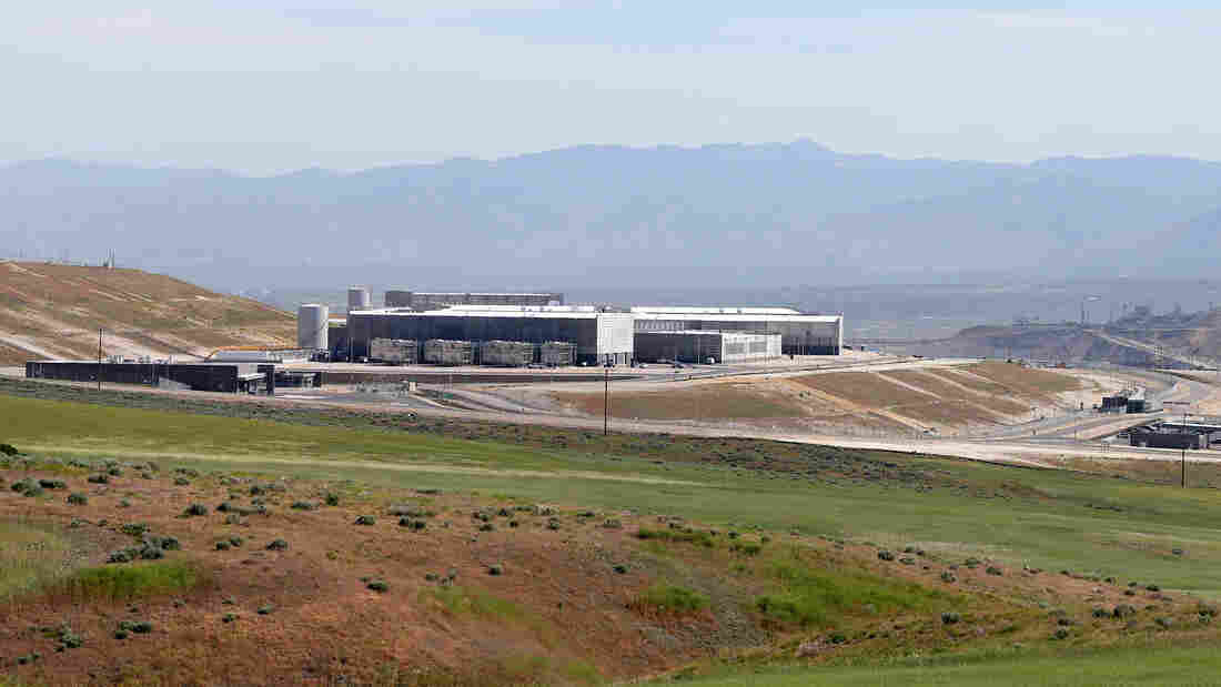 A new National Security Agency data center in Bluffdale, Utah, has had electrical problems that will delay its opening, according to reports.