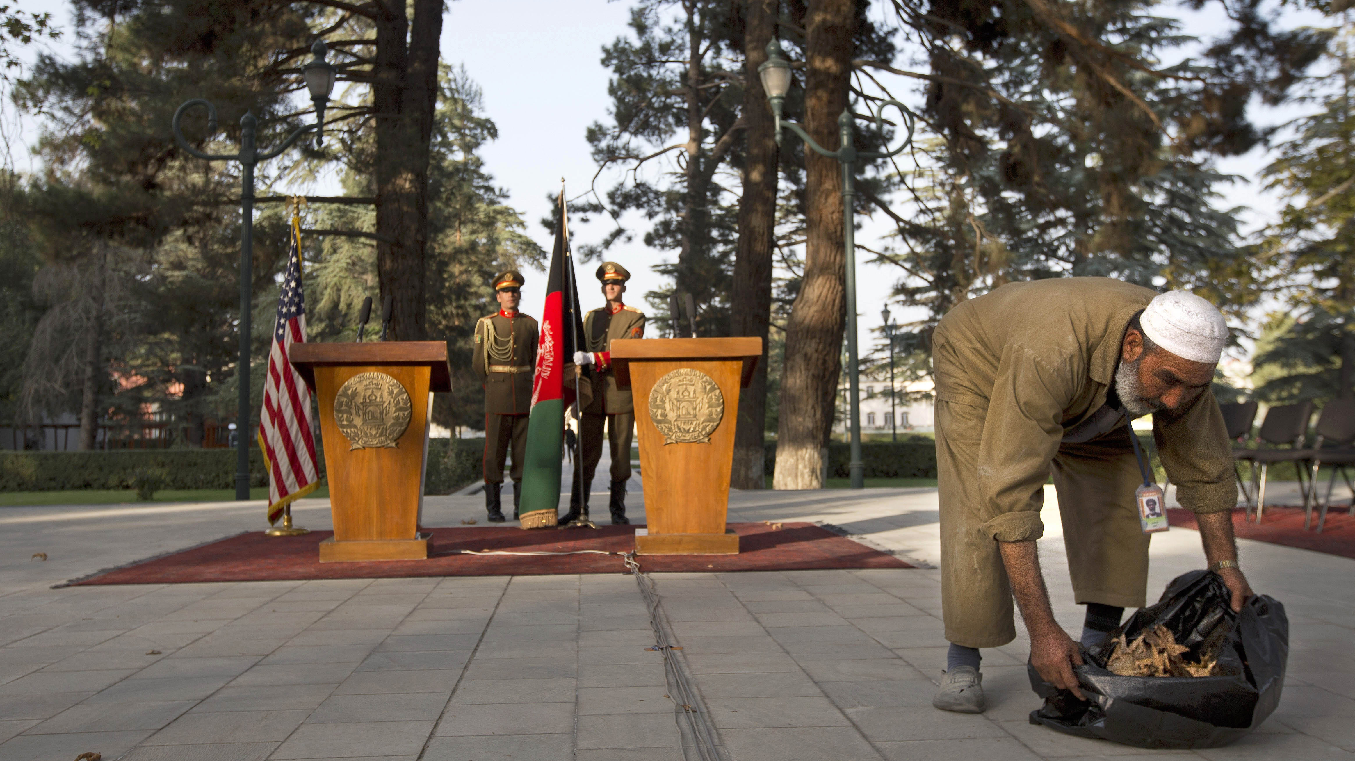 Kerry And Karzai Meet To Discuss U.S. Presence In Afghanistan