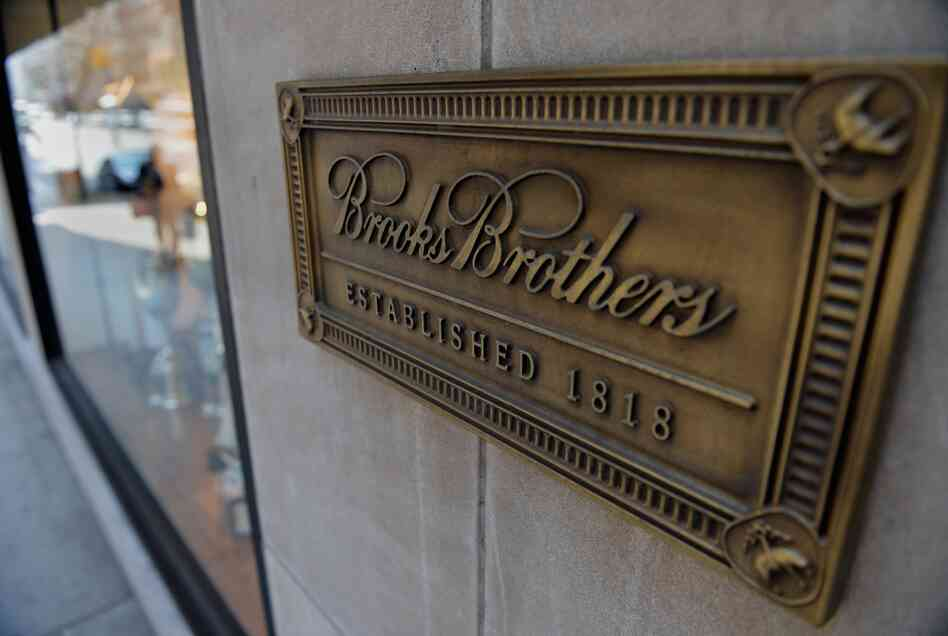 The Brooks Brothers store on Madison Avenue in New York is planning to open a 15,000-square-foot restaurant next door.