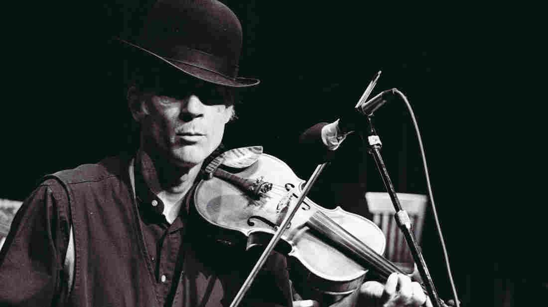 John Hartford performs live on Mountain Stage.