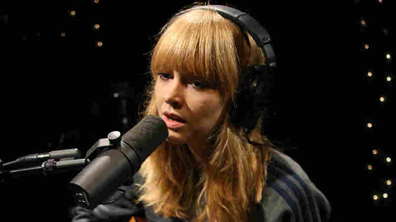 Lucy Rose, 'Shiver' (Live)