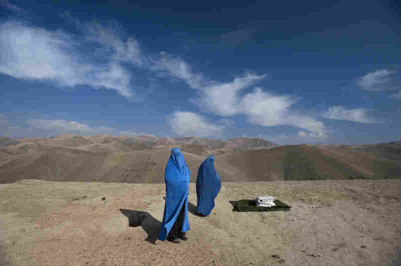 Noor Nisa was pregnant, and her water had just broken. Her husband was determined to get her to the hospital, but his borrowed car broke down, so he went to find another vehicle. Lynsey Addario ended up taking Noor Nisa, her mother and her husband to the hospital, where she gave birth to a girl.