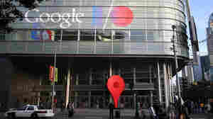 Attendees line up to enter the Google I/O developers conference at the Moscone Center on May 15, 2013 in San Francisco.
